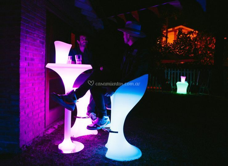 Flower Table | CocktailChair