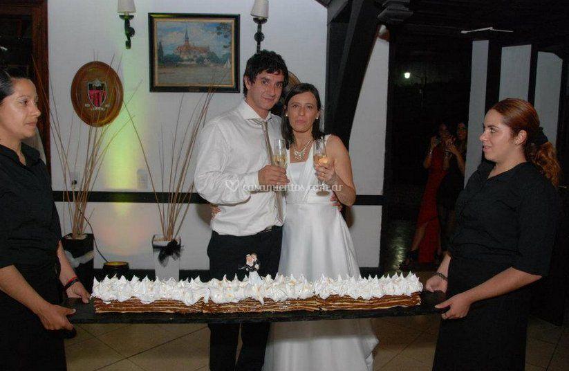 El brindis y la torta