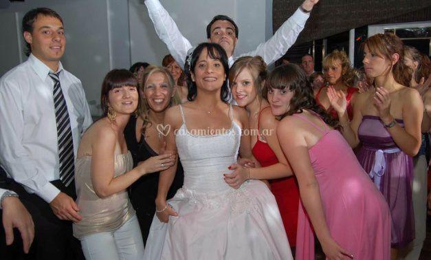 Los novios y los invitados