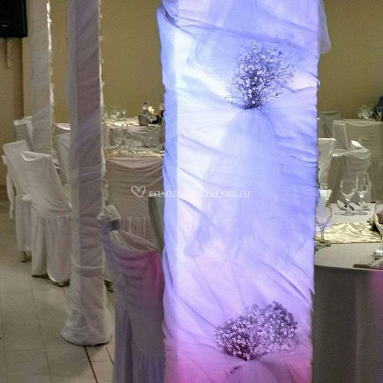 Columna decorada