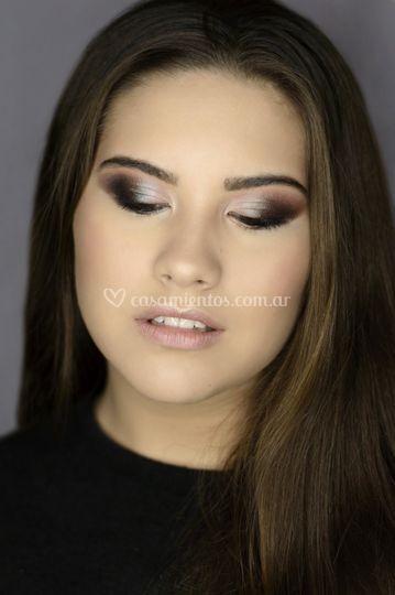 Maquillaje soft glam