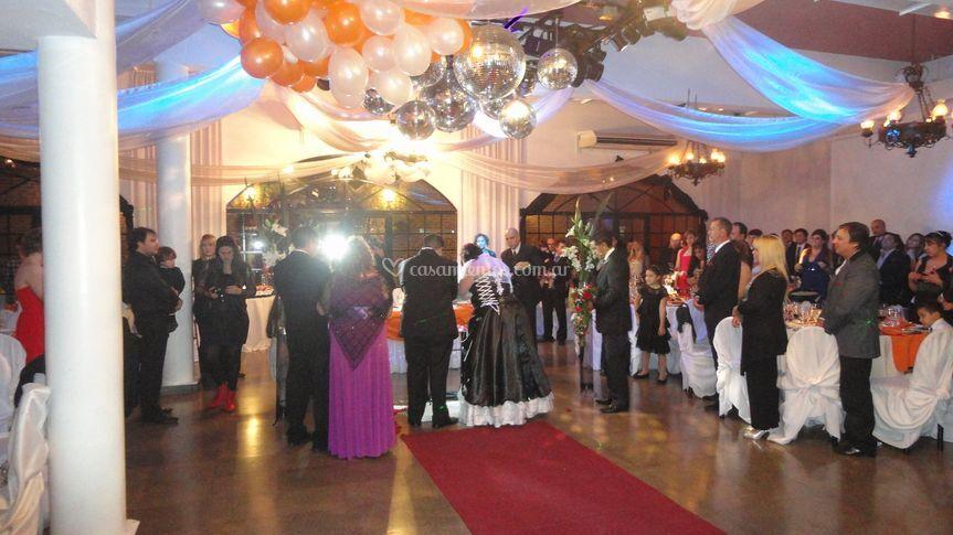 La ceremonia en el salón