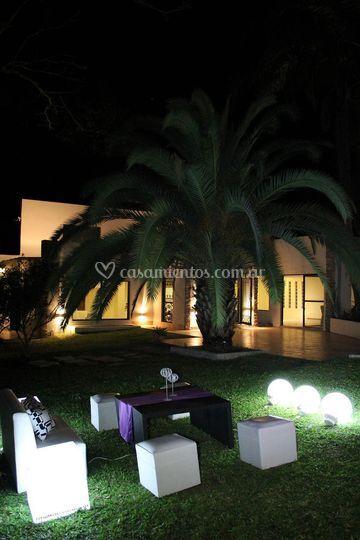 Villa Verde en la noche