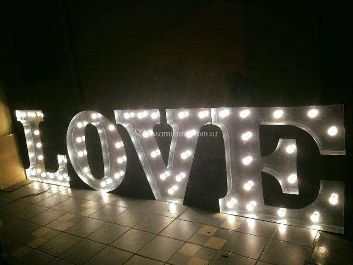 Cartel luminoso love