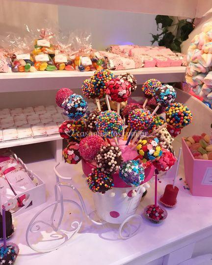 Candy bar cakepops