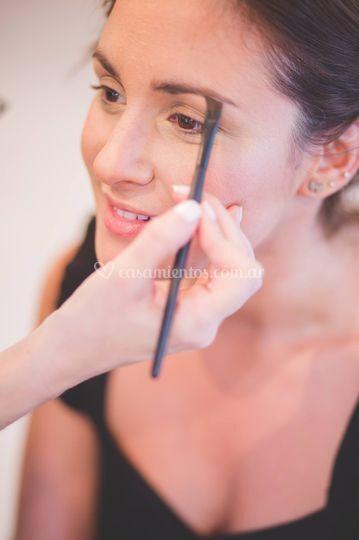 Maquillando a Eliana