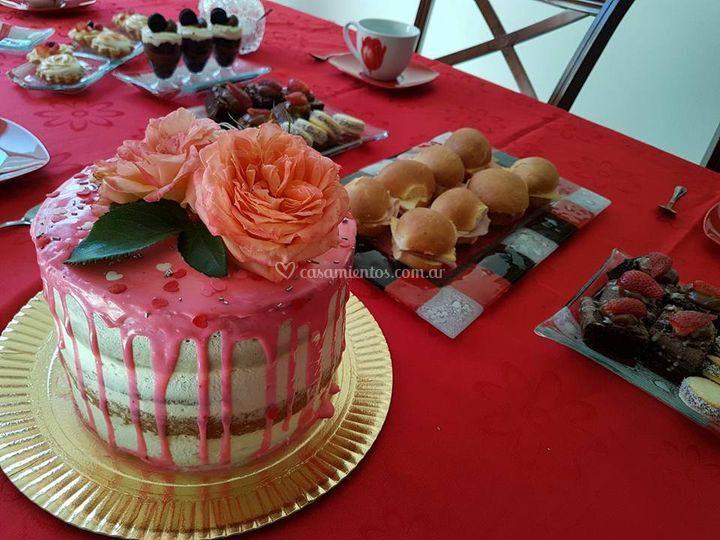Drip cake más mesa dulce