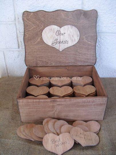 Caja de madera para mensajes