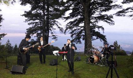 Matías Azar Band 1