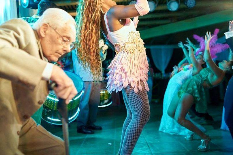 Todos bailan