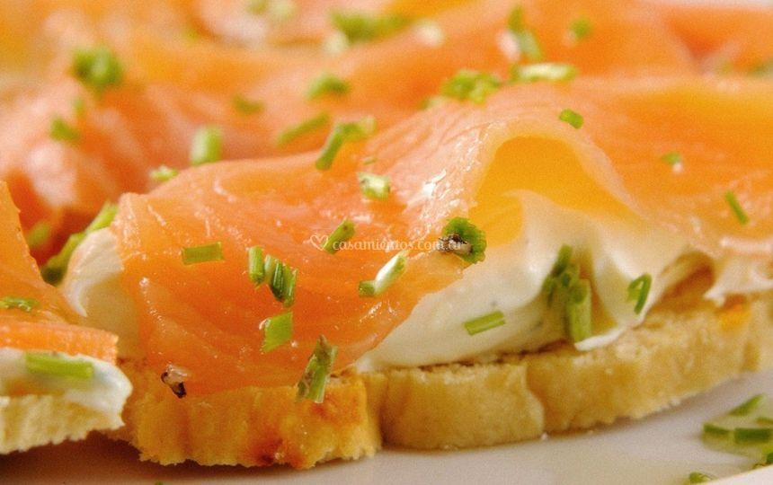 Brusccetas de salmón ahumado