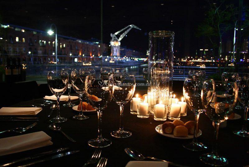 Vista panorámica de noche de Madero Eventos - Madero Tango