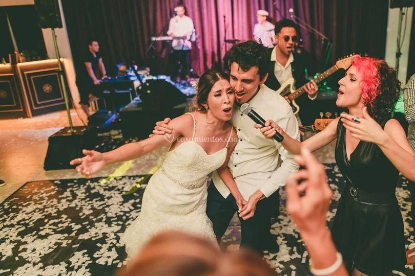 Cantando con Wanda y Kevin