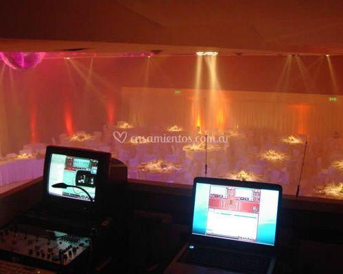 Control centralizado de iluminación y sonido