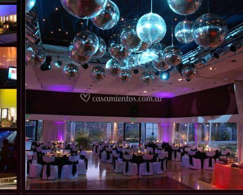 Vista de salón con pista de baile