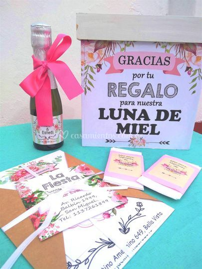 Kit invitacion, urna y pañuelo