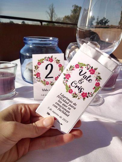 Pañuelos y número de mesa