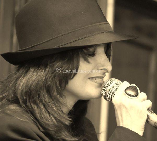 Claudia Alfano - Tangos y Boleros