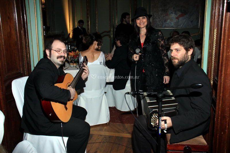 Con guitarra y bandoneon