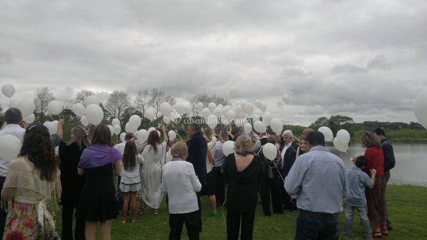 Suelta de globos con mensajes