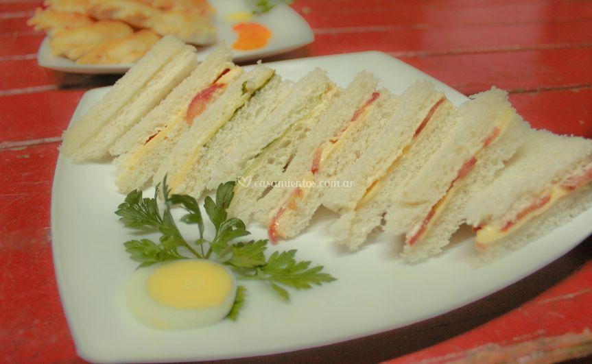 Sándwich de pan de miga