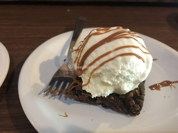 Brownie de choco con helado
