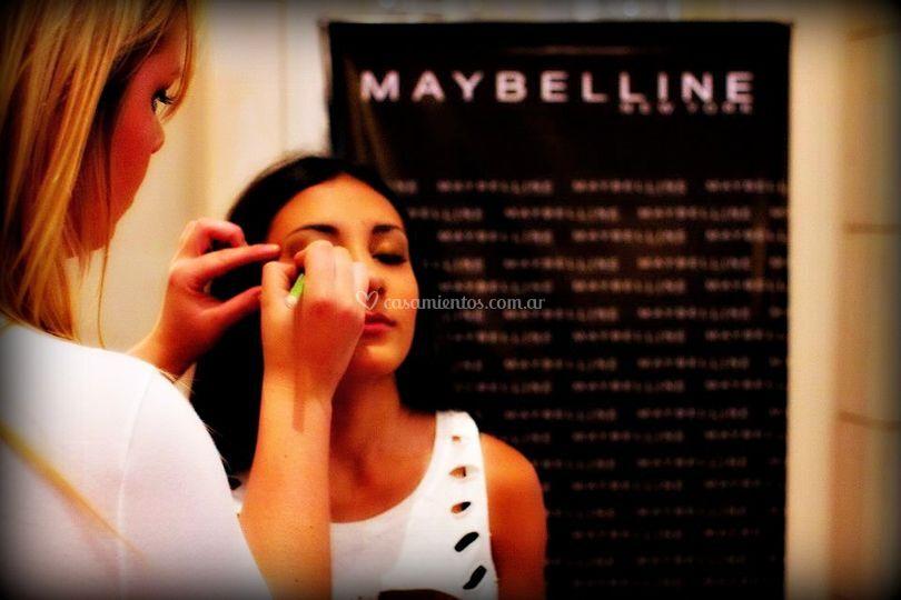 Make up para maybelline