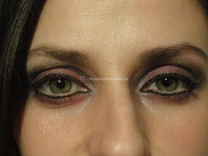 1er plano maquillaje de noche