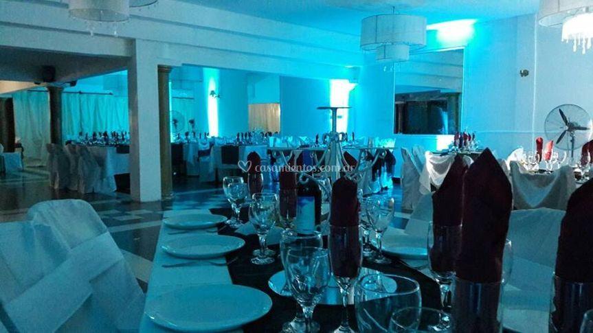 Salones en evento nocturno