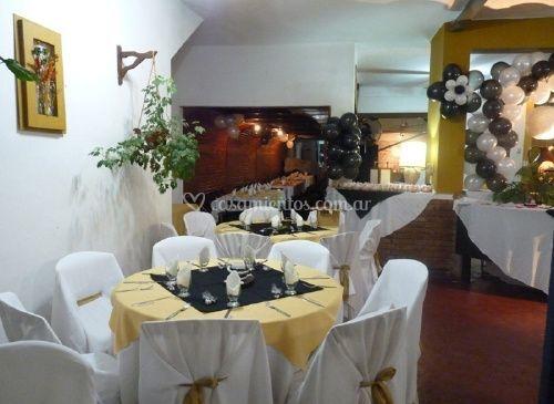 Sector del salón en blanco y amarillo