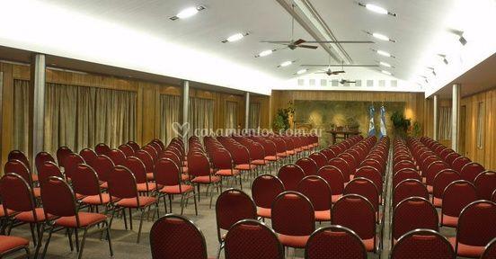 Salón preparado para convención