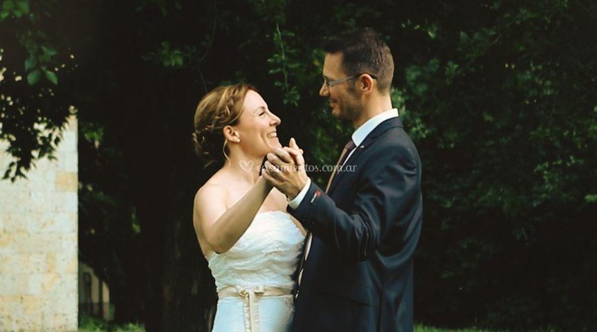 Zsuzsa y Csaba bailando