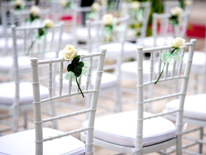 Silla de boda decorada