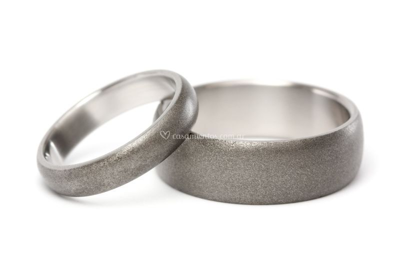 Alianzas de titanio arenado