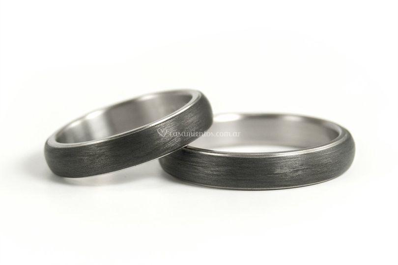 5-Titanio y fibra de carbono