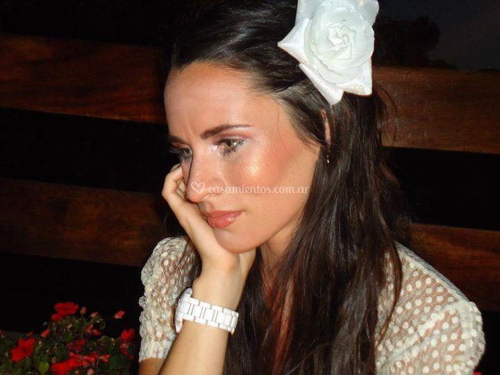 Novia de Caramía Maquillaje y Peinado