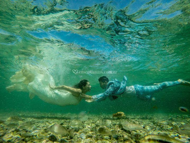 Flor y David (bajo el agua)