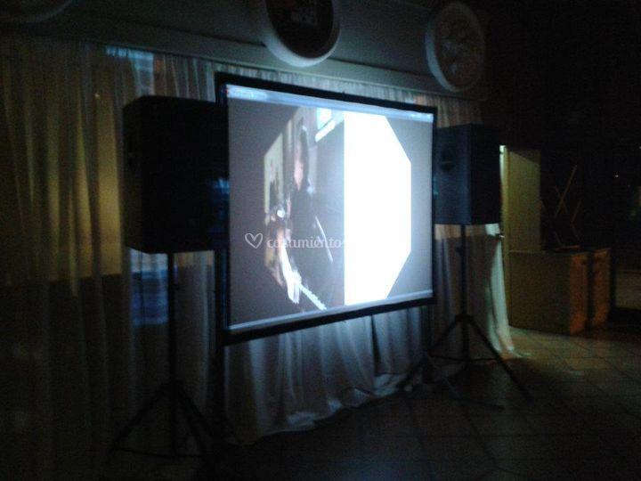 Pantallas y karaoke
