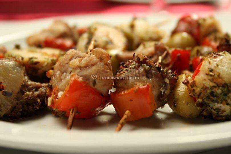 Bochetas de carne y vegetales