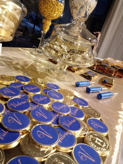 Candy bar azul y dorado