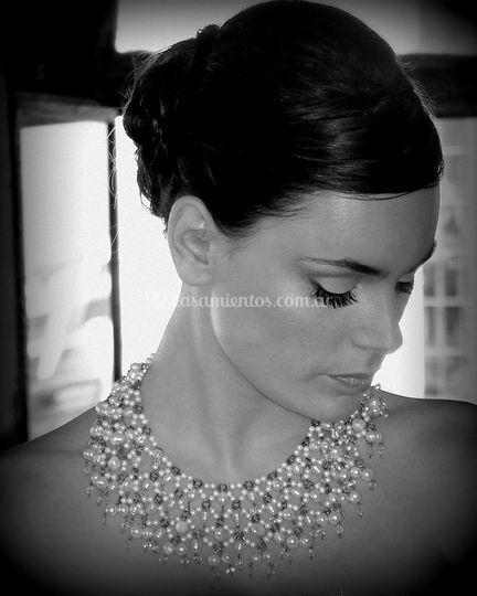 Peto en perlas y cristales