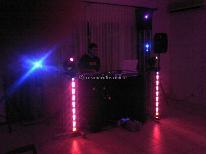 DJ con iluminación led