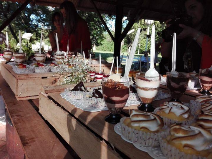 Mesa de dulces estilo campo
