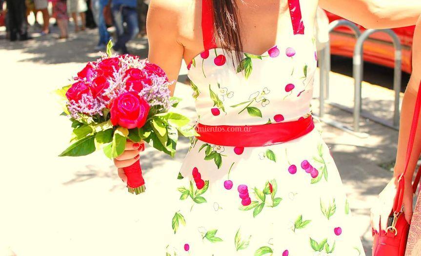 Bouquet de rosas y limonium