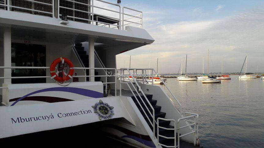 Catamaran Mburucuya Connection