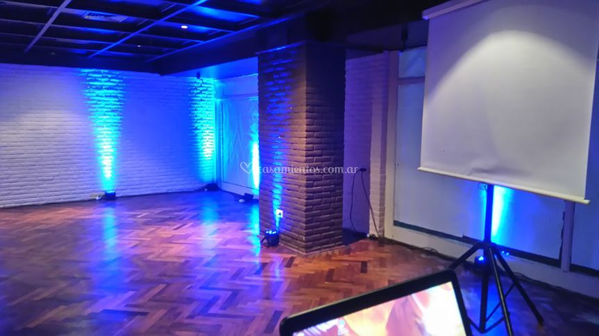 Iluminación y audiovisuales