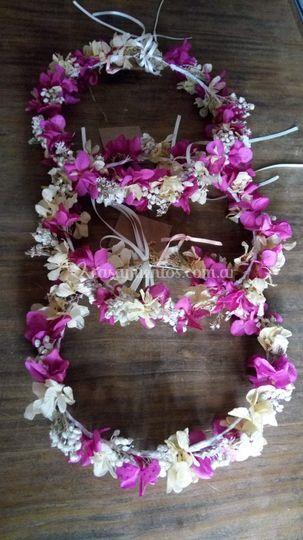 Coronita de flores preservadas
