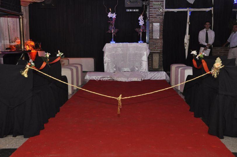 Ceremonia en salón alfombra