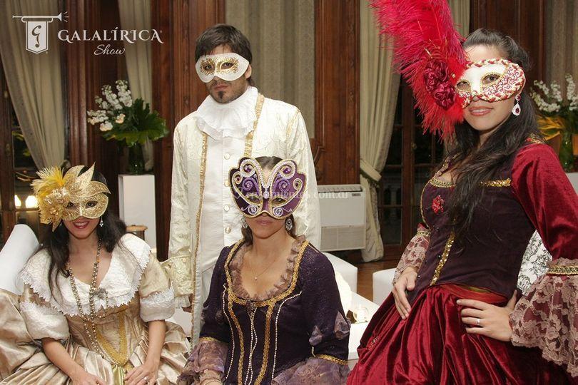 Máscaras y vestuario