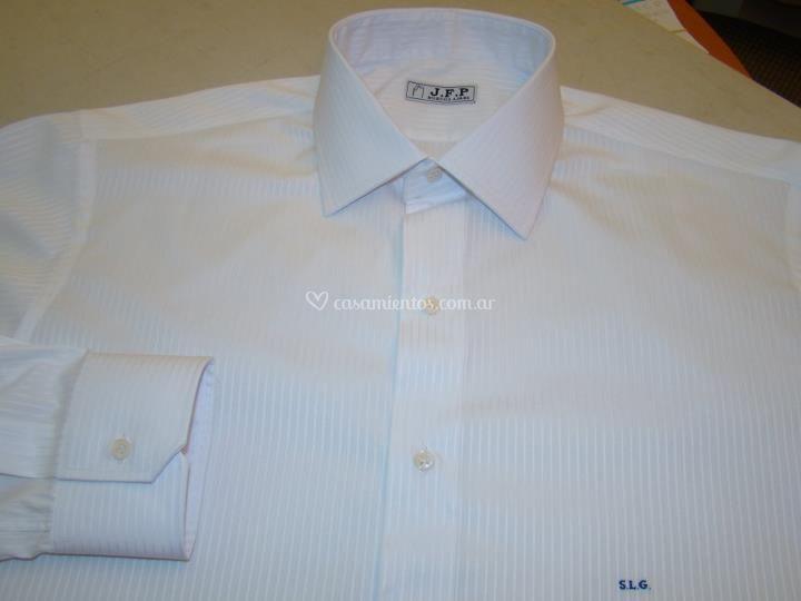Camisa con monograma